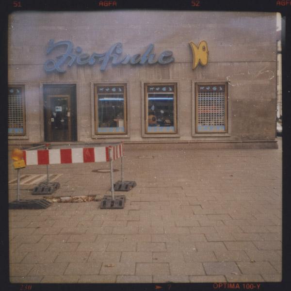 zierfische, unique?, gone, frankfurter tor, c-print, berlin - Pieces of Berlin - Book and Blog