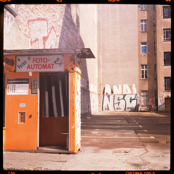 fotoautomat, forgotten moments - Pieces of Berlin - Book and Blog