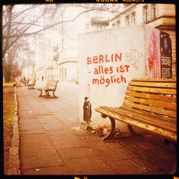 frankfurter allee, c-print, berlin, alles ist möglich - Pieces of Berlin - Book and Blog
