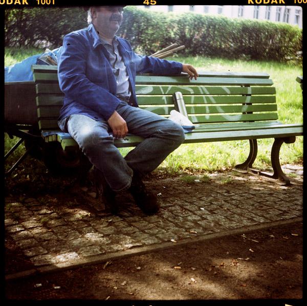 weißensee, portrait, manfred, gartenarbeiterIn, berlin, 54 - Pieces of Berlin - Book and Blog
