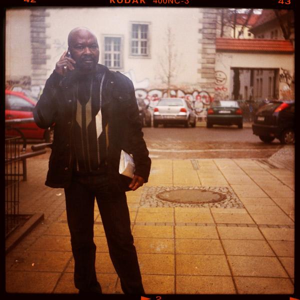 teddy, portrait, kellnerIn, friedrichshain, berlin, 48 - Pieces of Berlin - Book and Blog