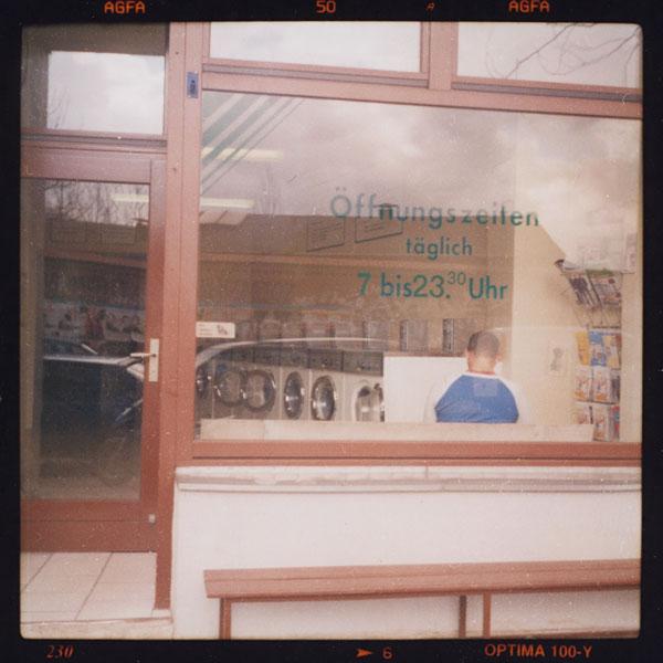 waiting, c-print, bilder, berlin - Pieces of Berlin - Book and Blog