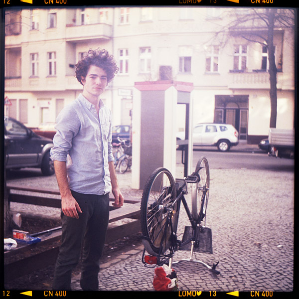 praktikantIn, portrait, jakob, berlin, 21 - Pieces of Berlin - Book and Blog