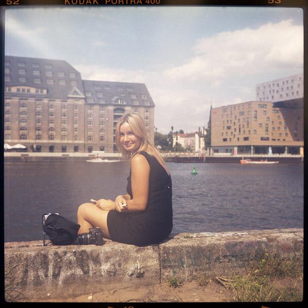 studentIn, portrait, madelief, kreuzberg, berlin, 24 - Pieces of Berlin - Book and Blog
