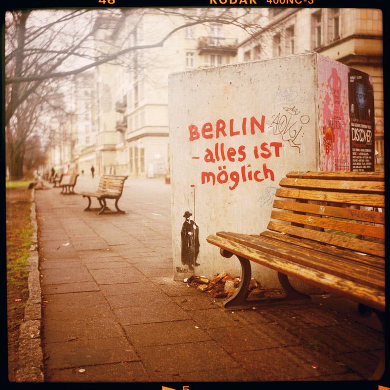 streetart, print, monthly special offer, berlin, alles ist möglich - Pieces of Berlin - Book and Blog