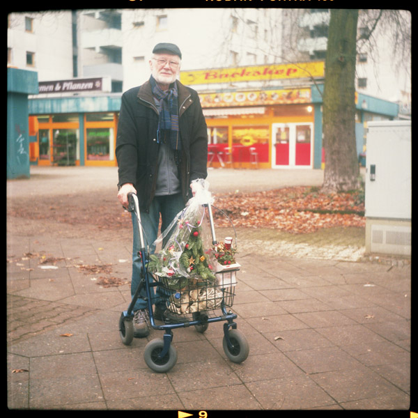 staaken, spandau, rentnerIn, portrait, klaus, berlin, 62 - Pieces of Berlin - Book and Blog