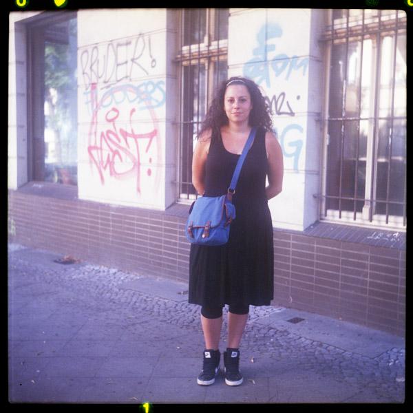 portrait, paris, leila, fotografIn, berlin, 33 - Pieces of Berlin - Book and Blog