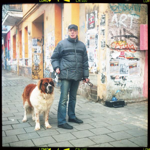 ralf, nachwächterIn, gentrifizierung, friedrichshain, berlin, 63 - Pieces of Berlin - Book and Blog