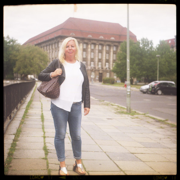 stadtschloss, nikolaiviertel, karin, beamtIn, 53 - Pieces of Berlin - Book and Blog