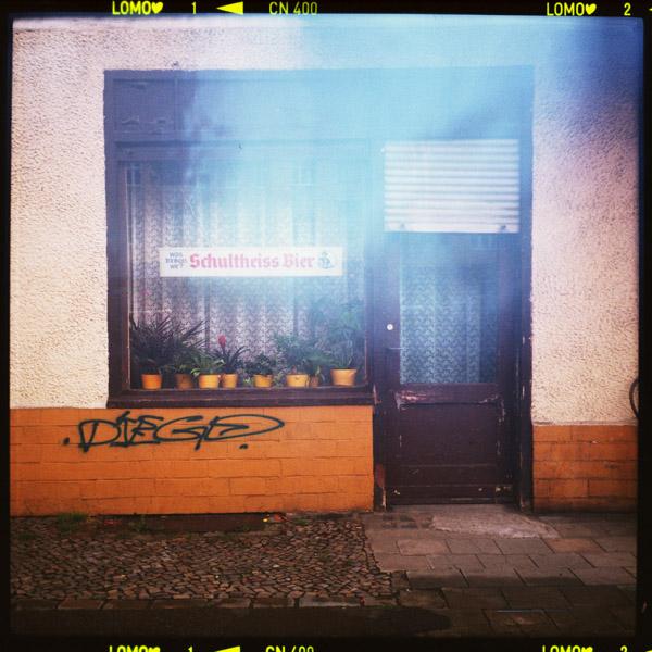 schultheiss, prost, prenzlauerberg, kneipe, berlin - Pieces of Berlin - Book and Blog