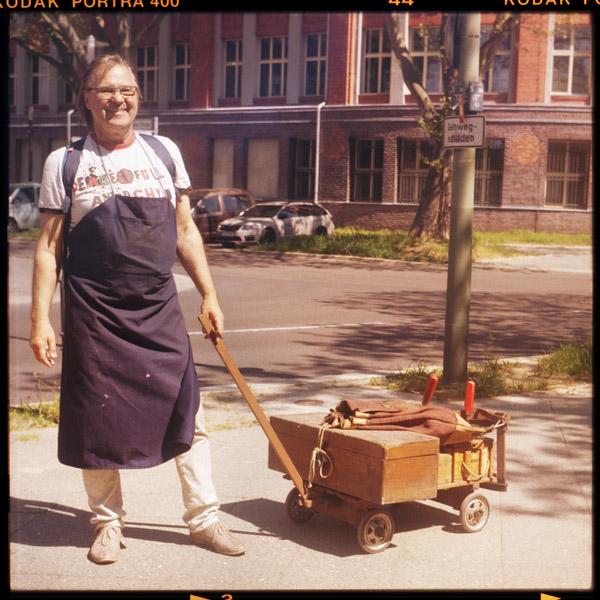 wende, rentnerIn, peter, charlottenburg, 66 - Pieces of Berlin - Book and Blog