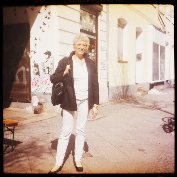 schriftstellerIn, lizzie, kreuzberg, bergmannkiez, 65 - Pieces of Berlin - Book and Blog