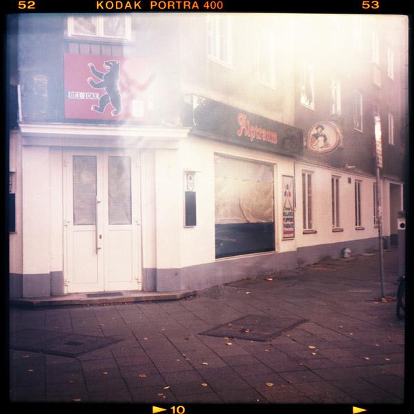 kreuzberg, kneipe, berlin - Pieces of Berlin - Book and Blog