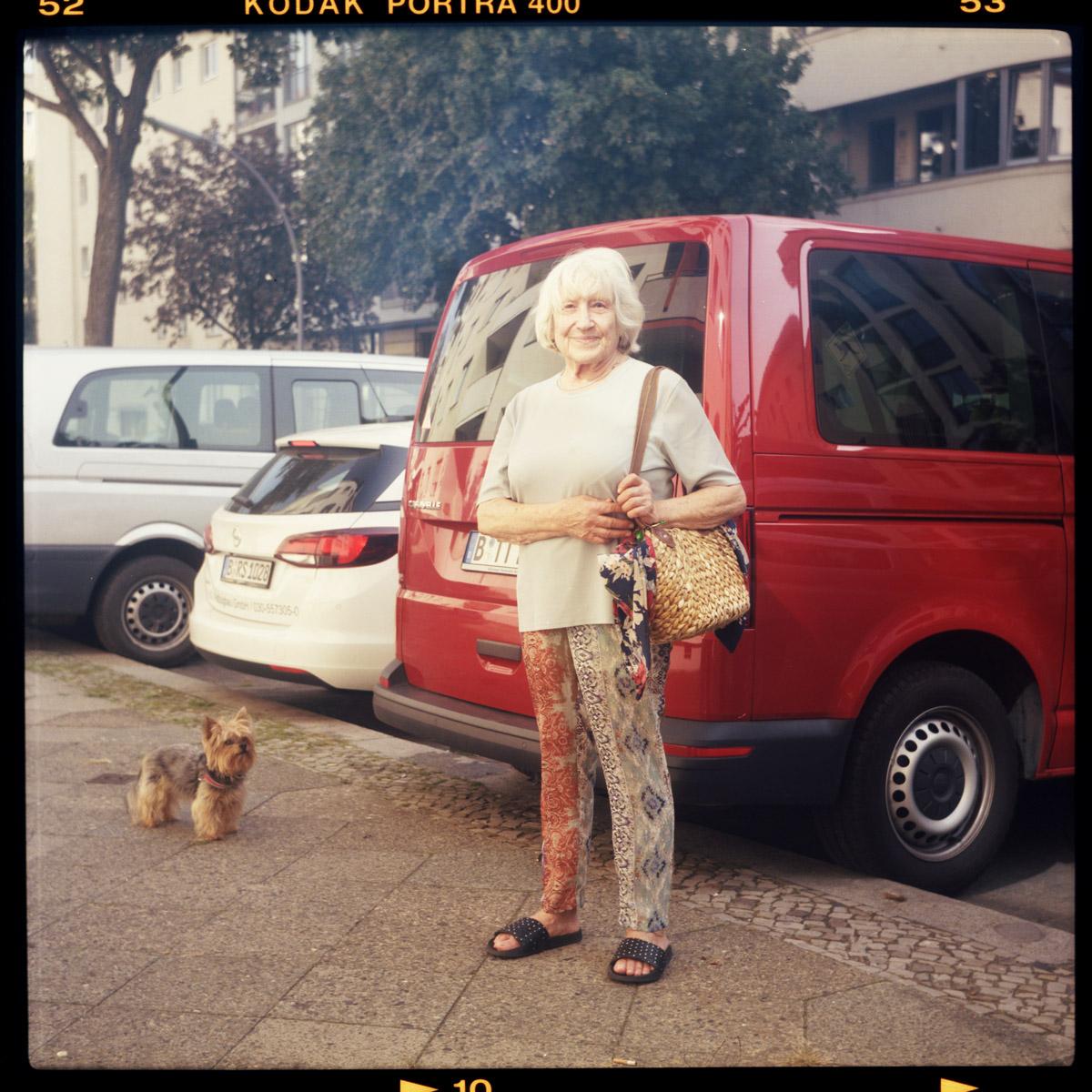 schöneberg, rentnerIn, moria, helga, corona, berlin, 81 - Pieces of Berlin - Book and Blog